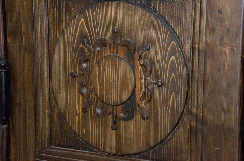 restavratory vidnovyly istorychni dveri viyalona vulytsi pavlova9 02 - Реставратори відновили історичні двері-віяло на вулиці Павлова, 9