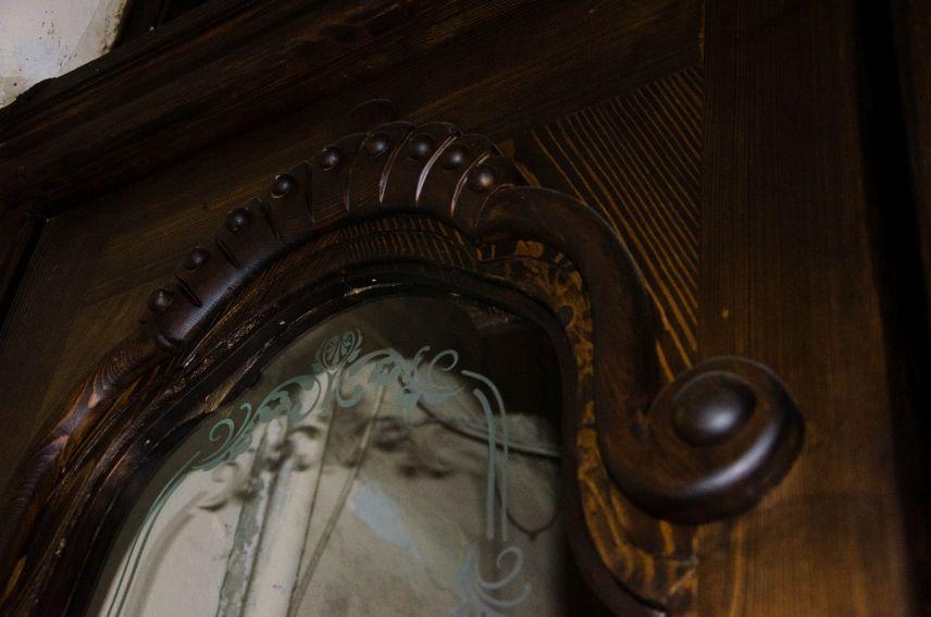 restavratory vidnovyly istorychni dveri viyalona vulytsi pavlova9 04 - Реставратори відновили історичні двері-віяло на вулиці Павлова, 9