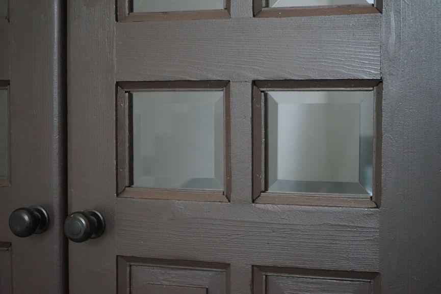 restavratory vidnovyly istorychni dveri viyalo na vulytsi konovaltsya 44 01 - Реставратори відновили історичні двері-віяло на вулиці Коновальця, 44
