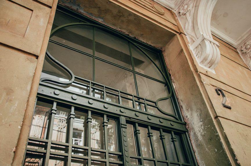 restavratory vidnovyly istorychni dveri poblyzu ploshchi ivana franka 05 - Реставратори відновили історичні двері поблизу площі Івана Франка