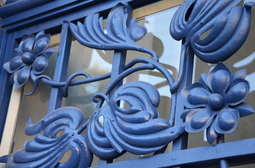 restavratory vidnovyl yistorychnu bramu na vulytsi shota rustaveli 02 - Реставратори відновили історичну браму на вулиці Шота Руставелі
